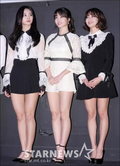 [★포토]쯔위-모모-지효, '블랙&화이트의 조화'