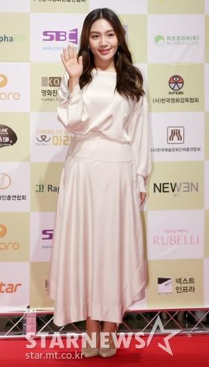 [★포토]최희서, '우아한 화이트 실크 드레스'