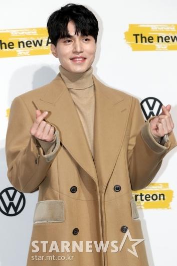[★포토]이동욱 '하트는 두배로!'