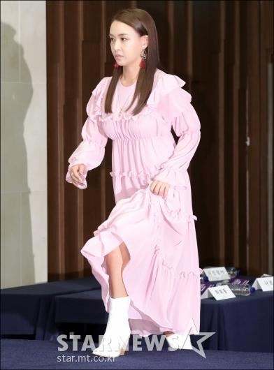 [★포토]배윤정, '걸음도 터프하게'
