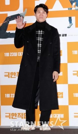 [★포토]진선규, '젠틀한 코트 패션'