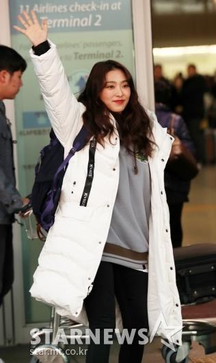 [★포토]보라, '손 번쩍들어 안녕'