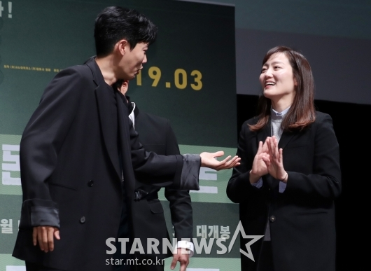 [★포토]류준열, '감독님 워킹 한번 하시죠'