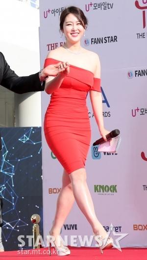 [★포토]신아영, ' 몸매 돋보이는 초밀착 드레스'