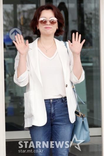 [★포토]장혜진, '떨리는 첫 칸 영화제 참석'