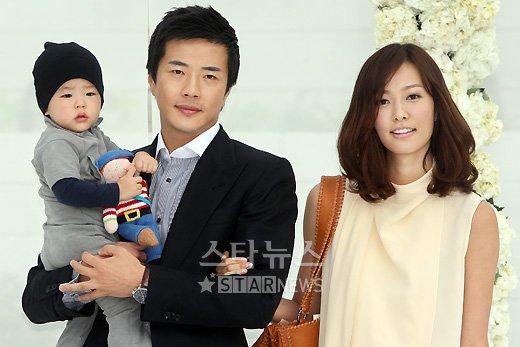 Luke, el hijo de kwon Sang Woo fue la sensacion en la boda de Jang Dong Gun 2010050217003773621_1