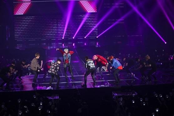 Picture/Media] BTS at 2015 BTS LIVE CONCERT 화양연화 On