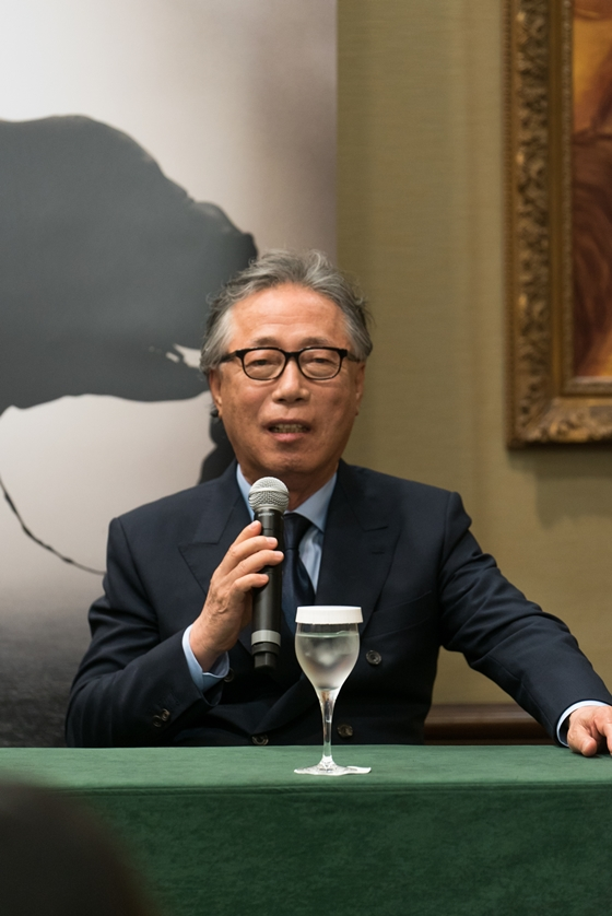 """""""두고 봅시다, 이 다음을"""" 75살 변희봉의 다짐"""
