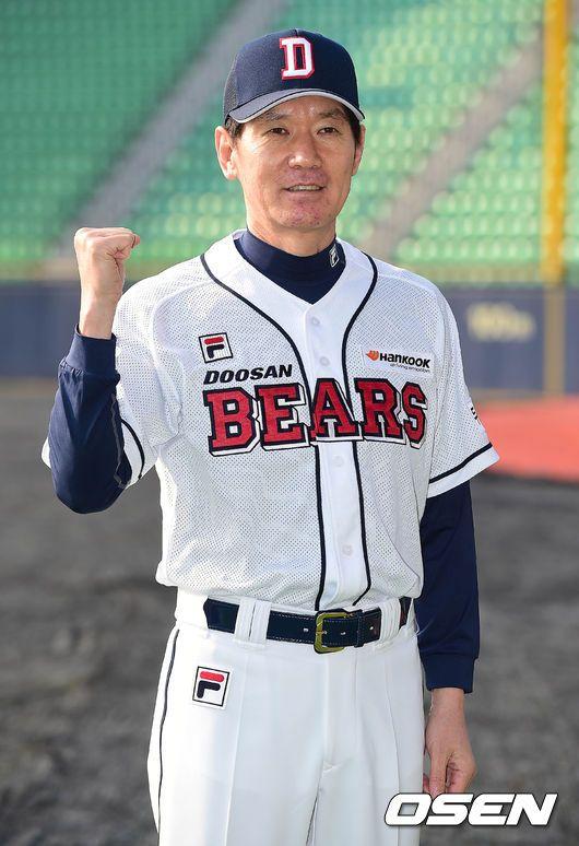 2군 감독에서 1군 수석코치로 올라온 이강철 코치.