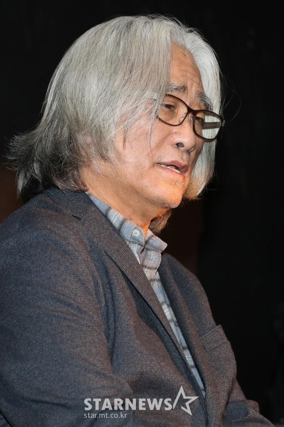 [★FOCUS]성범죄 '연극계 대부'의 애매한 사과