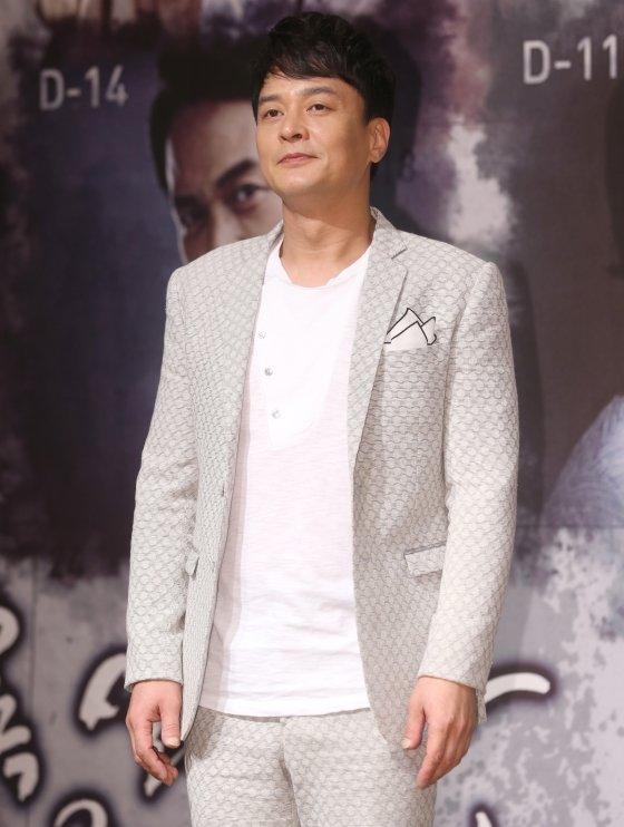 배우 조민기가 9일 숨진 채 발견됐다.