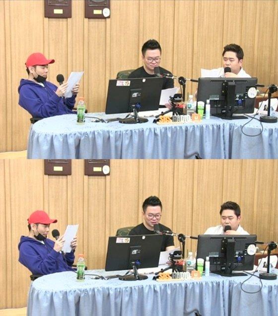 (왼쪽부터) 가수 뮤지, 컬투 김태균, 코미디언 문세윤/사진=SBS 파워FM \'두시탈출 컬투쇼\' 보이는 라디오 방송화면