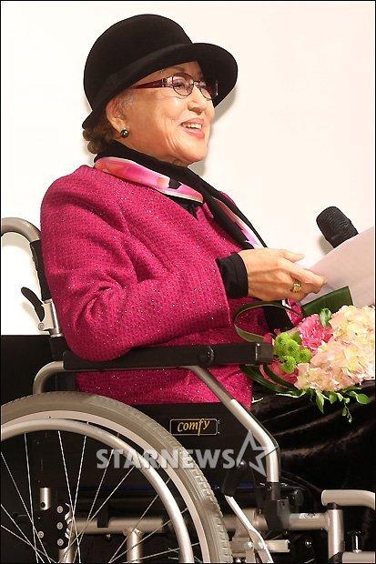 2012년 제 2회 아름다운 예술인상 시상식에 참석한 최은희 / 사진=스타뉴스