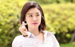 소진, '햇살 받아 더 예쁜 미모'