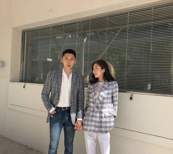 걸그룹 달샤벳 출신 가은(오른쪽)과 예비신랑 /사진=가은 인스타그램