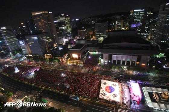 태극전사들을 응원하는 국민들의 광화문 응원 모습 /AFPBBNews=뉴스1