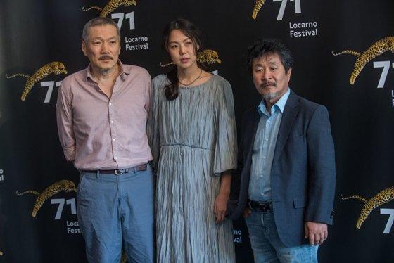 로카르노 국제영화제에 참석한 홍상수 감독, 김민희, 기주봉 / ⓒLocarno Festival/Samuel Golay