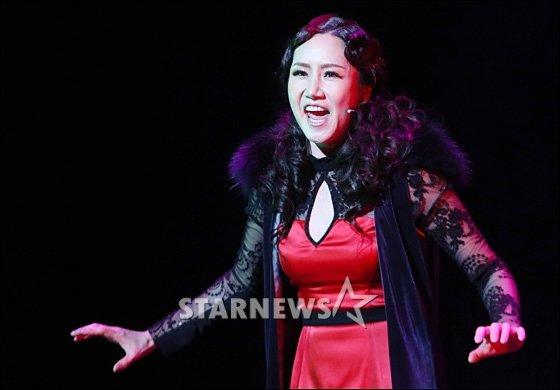 뮤지컬배우 이혜경의 남편인 성악가 오정욱이 지난 9일 암투병 중 별세했다. / 사진=스타뉴스