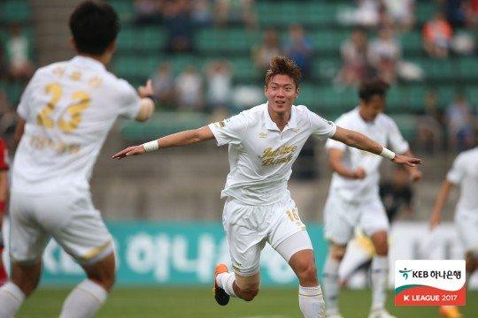 성남 시절의 황의조./사진=한국프로축구연맹