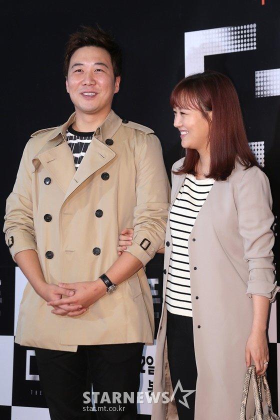 가수 장윤정(오른쪽), 도경완 아나운서 부부/사진=스타뉴스