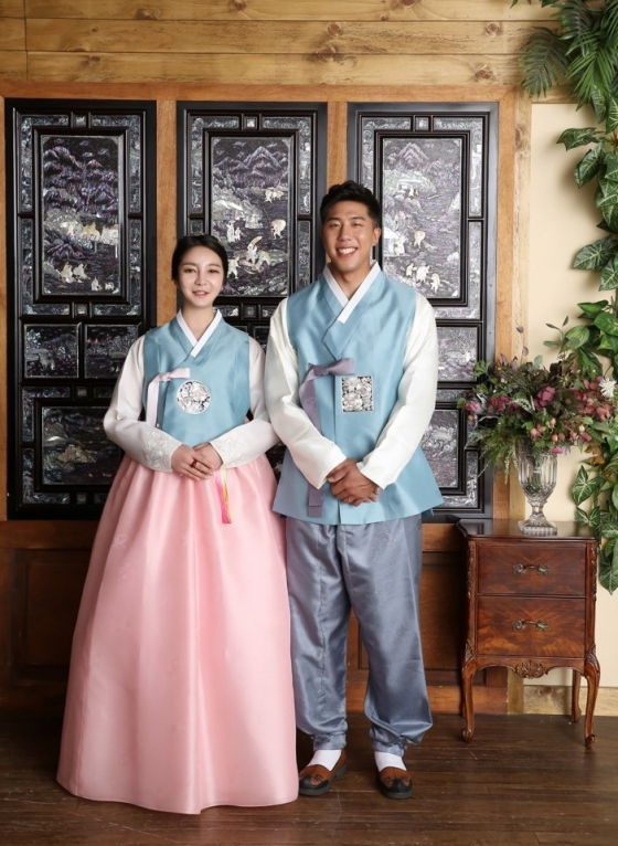 NC 박헌욱(오른쪽)-한혜민 커플 웨딩 사진 /사진=NC 다이노스 제공
