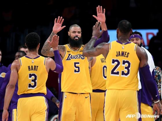 미국프로농구(NBA) LA 레이커스의 조쉬 하트(왼쪽부터), 타이슨 챈들러, 르브론 제임스. / 사진=AFPBBNews=뉴스1