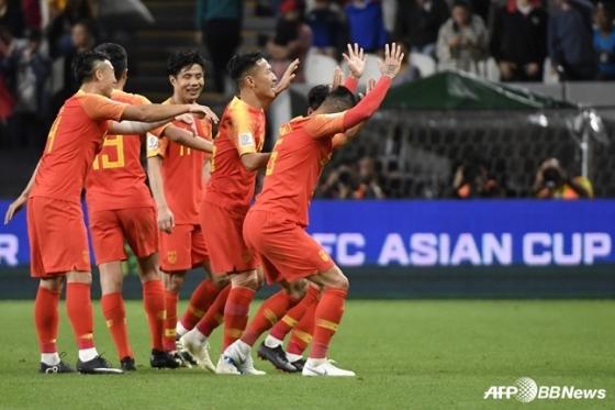 필리핀전 득점 후 세리머니를 하고 있는 중국 선수들. /AFPBBNews=뉴스1