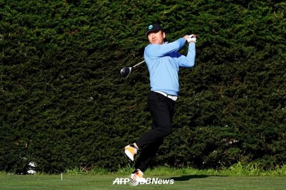 낚시꾼 스윙의 최호성./AFPBBNews=뉴스1