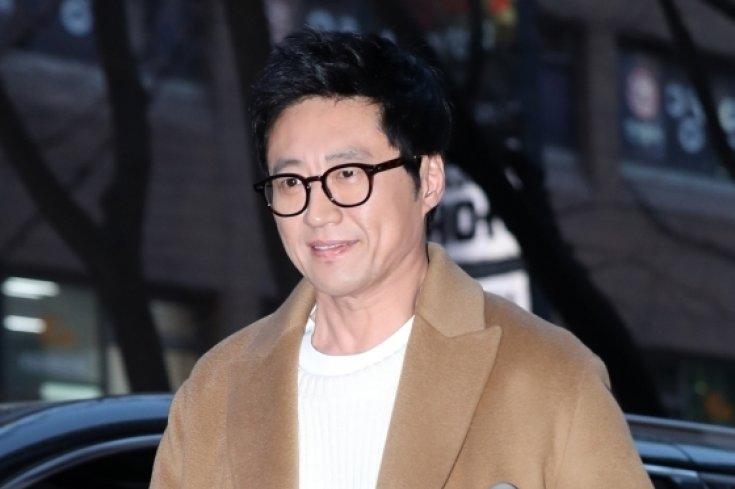 박신양, '목발과 함께 조들호2 종방연 참석'