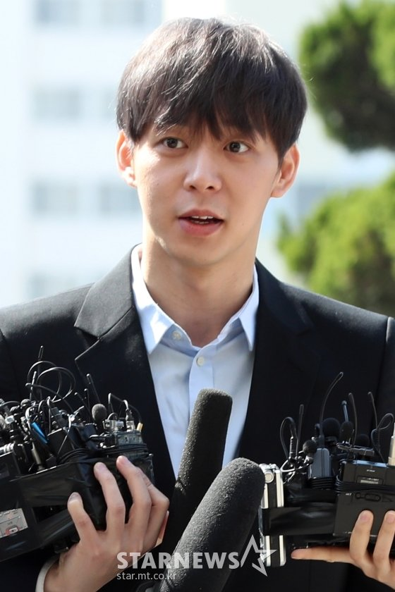 지난 17일 경기남부지방경찰청 마약수사대에서 1차 조사를 받은 박유천 /사진=이기범 기자