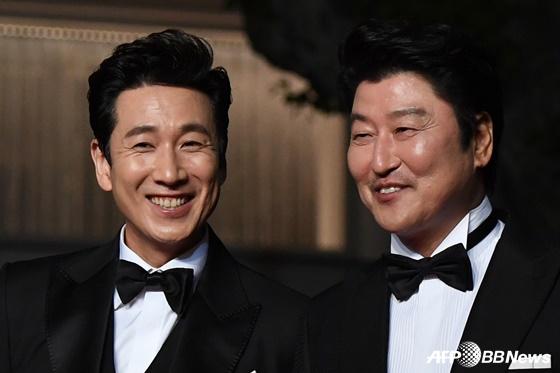 배우 이선균(왼쪽), 송강호 /AFPBBNews=뉴스1