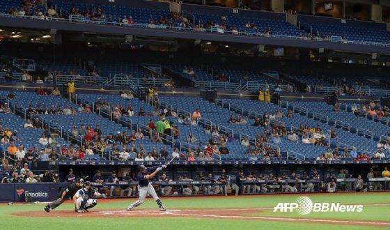 빈 자리가 많은 트로피카나필드의 관중석.  /AFPBBNews=뉴스1