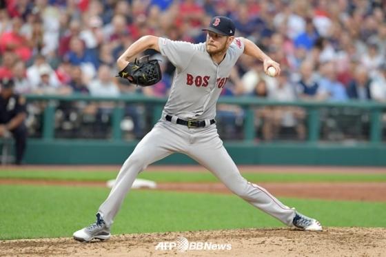 14일 클리블랜드 인디언스전에 선발 등판해 공을 뿌리고 있는 보스턴 레드삭스 크리스 세일. /AFPBBNews=뉴스1