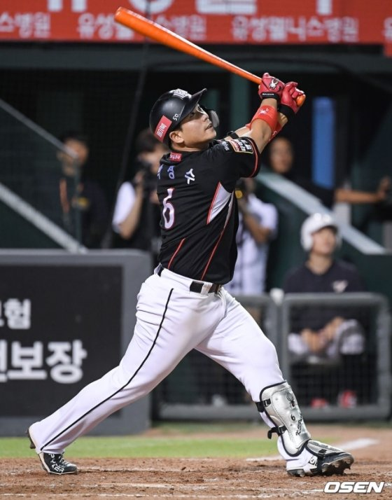 KT 박경수.