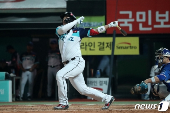 16일 삼성전에서 홈런 포함 3안타로 활약한 황재균. /사진=뉴스1