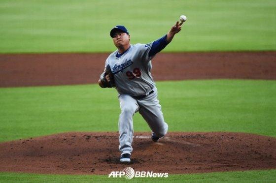 18일(한국시간) 애틀랜타와 원정 경기에서 역투하는 류현진. /AFPBBNews=뉴스1