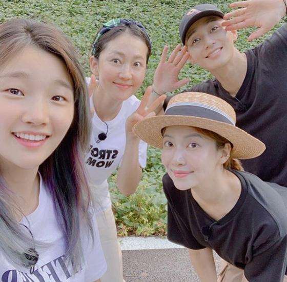 (왼쪽부터) 박소담, 염정아, 윤세아, 박서준./사진=윤세아 인스타그램