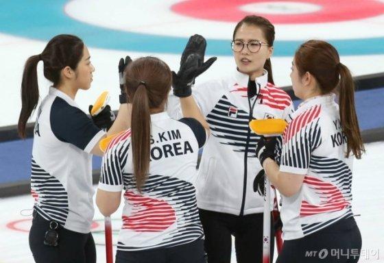 평창동계올림픽 여자 컬링에 나섰던 팀킴. /사진=김창현 기자