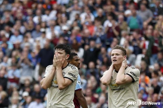 맨체스터 유나이티드 선수들이 골 찬스를 놓치자 아쉬워하고 있다. /사진=AFPBBNews=뉴스1