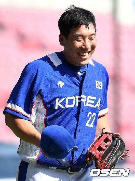 대표팀 유니폼을 입은 김현수.