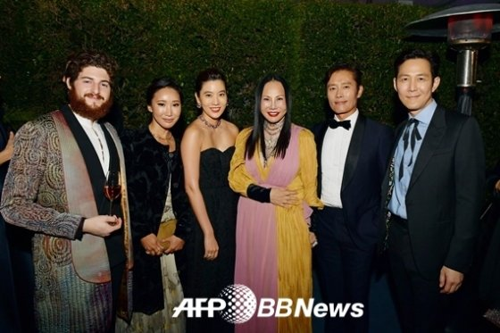 LACMA 행사서 이병헌, 행사 관계자와 만난 임세령 이정재 커플 / 사진 AFPBBNews뉴스1