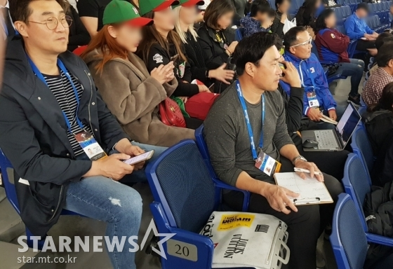 왼쪽부터 이종열 코치, 봉중근 해설위원, /사진=박수진 기자