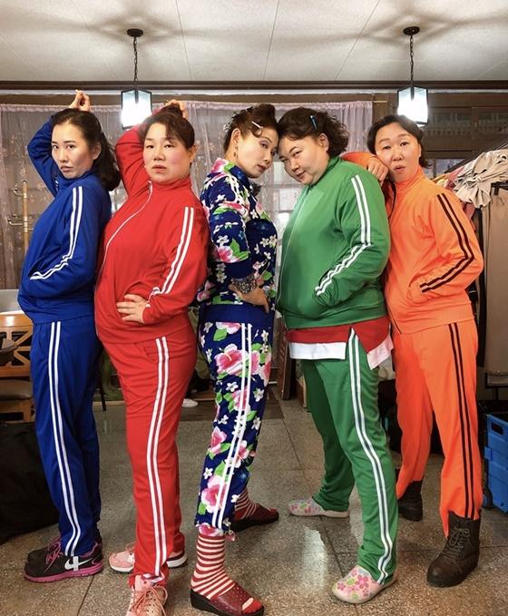 (왼쪽부터) 최가인, 김미화, 김선영, 이선희, 백현주./사진제공=에이탑엔터테인먼트