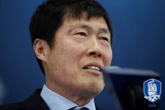 차범근, 독일 대십자공로훈장 수상... ''우리 민족, 축구 DNA 뛰어나''