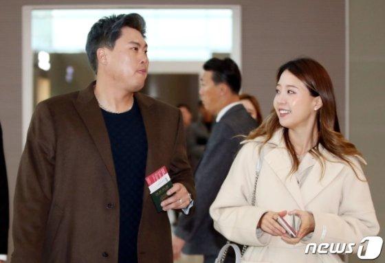 류현진(왼쪽)과 아내 배지현씨. /사진=뉴스1
