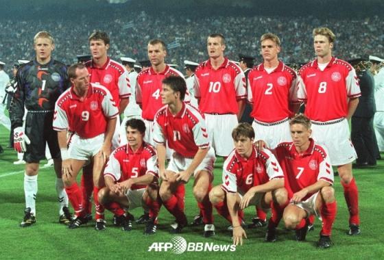 피터 슈마이켈(왼쪽)이 이끌던 1997년 덴마크 대표팀 모습. /AFPBBNews=뉴스1