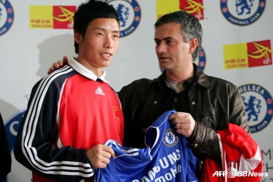 조세 무리뉴와 사진도 찍었던 첸타오(왼쪽). /사진=AFPBBNews=뉴스1