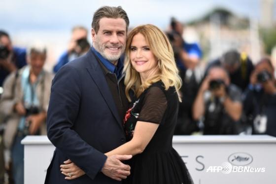 존 트라볼타와 그의 아내 켈리 프레스톤. 켈리 프레스톤이 2년간 유방암 투병 끝에 사망했다./AFPBBNews=뉴스1