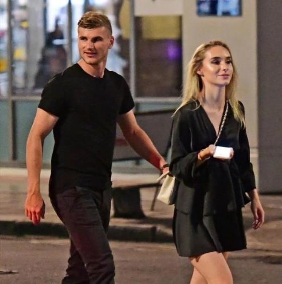 베르너(왼쪽)와 그의 여자친구./사진=영국 더 선 캡처