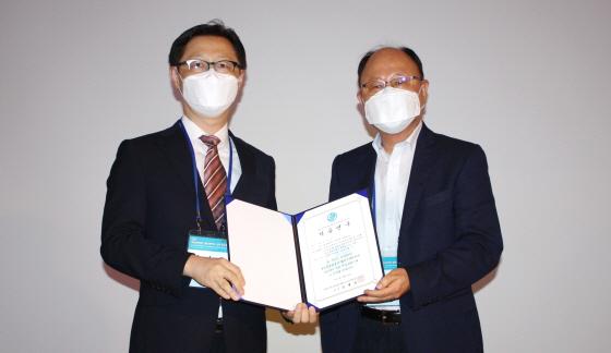 김범진교수(왼쪽)/사진제공=중앙대병원